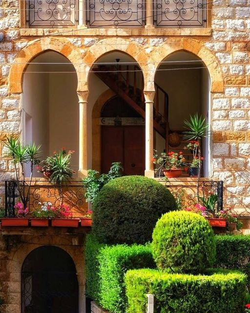 Lebanon بعبدات  naturelover  architecture  architecturephotography ... (Matn District)